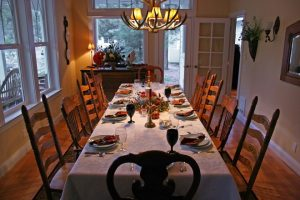 Eating - Ways to enjoy the holidays with a relative with memory loss